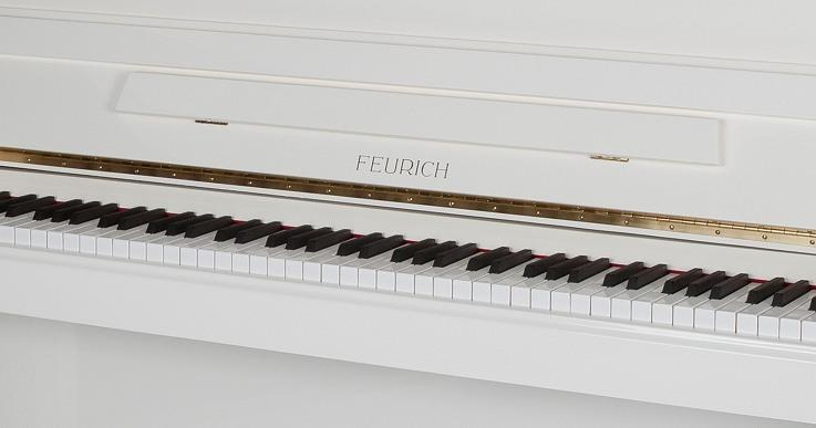 das feurich klavier 122 in wei von goecke und farenholtz klaviere fl gel cembali berlin. Black Bedroom Furniture Sets. Home Design Ideas