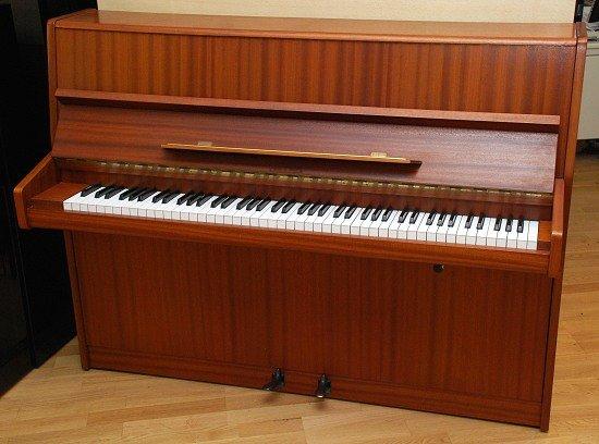 das geyer klavier modell 106 gebraucht von goecke und farenholtz klaviere fl gel cembali berlin. Black Bedroom Furniture Sets. Home Design Ideas