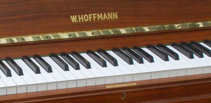das hoffmann klavier modell 118 gebraucht von goecke und farenholtz klaviere fl gel cembali. Black Bedroom Furniture Sets. Home Design Ideas