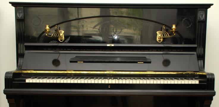 gebrauchte klaviere verschiedener hersteller. Black Bedroom Furniture Sets. Home Design Ideas