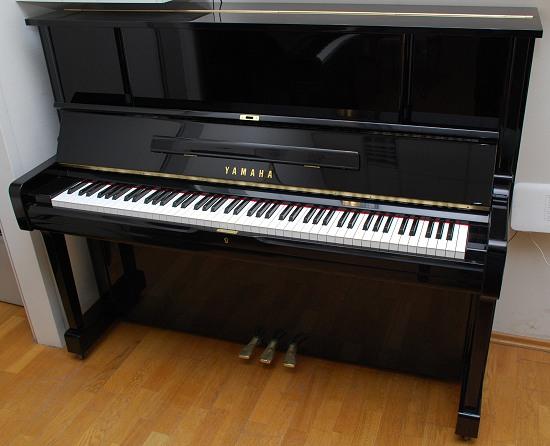 das yamaha klavier modell u 10 von goecke und farenholtz klaviere fl gel cembali berlin. Black Bedroom Furniture Sets. Home Design Ideas